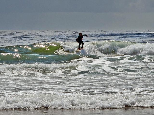 e4015 wickaninnish surfer