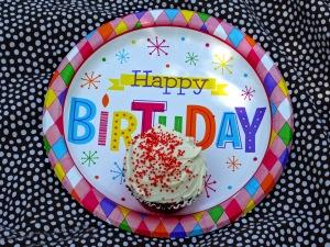 HBD cupcake